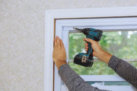 ガラス1枚交換工事から屋上防水改修工事まで<br /> 部分的な工事も率先して行います