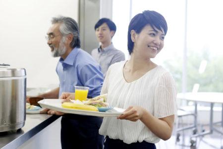 従業員の働きやすさを追求<br /> 事務所に宿泊設備とコミュニケーションルームへ