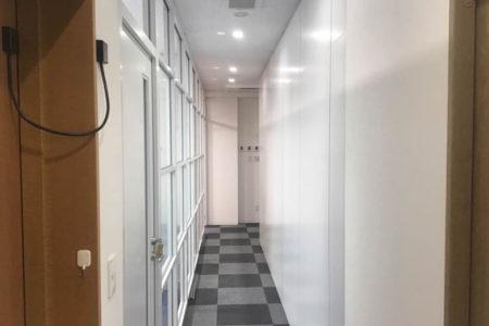 事務所廊下施工後