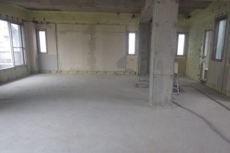 事務所フロア施工前